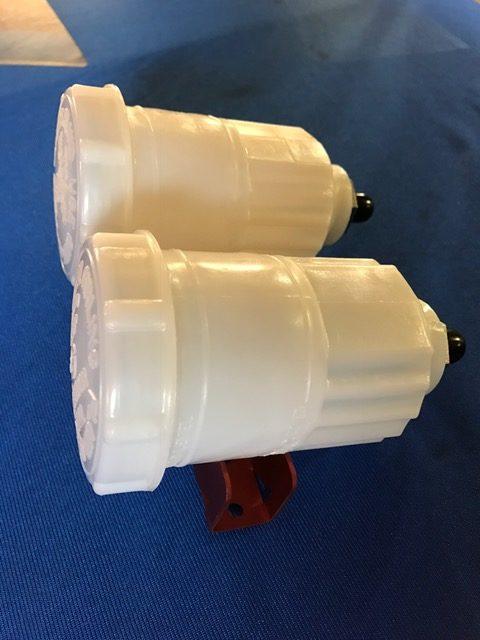 Originale Bremsflüssigkeitsbehälter mit Halter